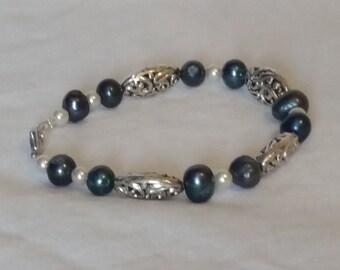 Blue freshwater pearl bead bracelet