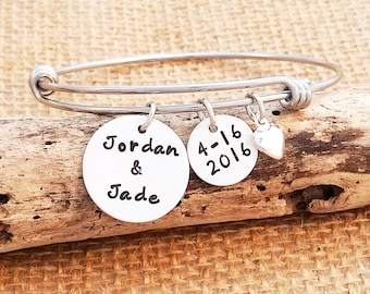 Expandable Bangle - Sweetheart bracelet - Anniversary gift for Wife - Personalized Bracelet - Fiance Gift - Bride Bracelet