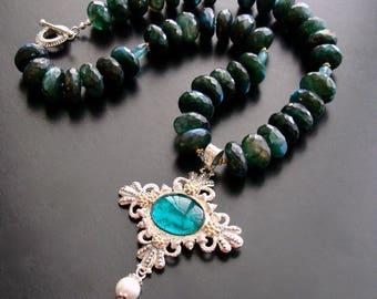 Apatite Green Labradorite Venetian Glass Intaglio Pendant Necklace - Castelluccio Necklace
