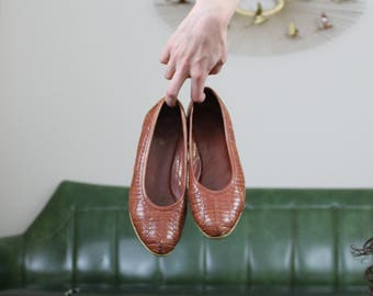 Vintage G . H. Bass Woven Leather Wedge Flats // 5.5 6