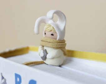 Christmas gift Bookmark cute bunny animal bookmarks Very cute  Handmade white hat rabbit paper clip easter