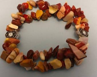 Double strand stretch chip bead bracelet
