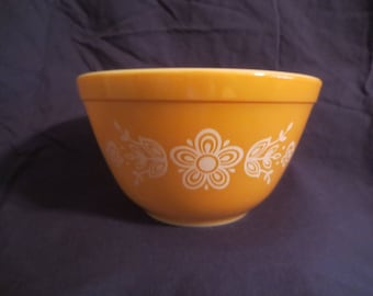 Pyrex Butterfly Gold Mixing Bowl #401