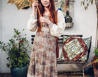 Floral Gypsy Boho Dress. 1960s / 1970s Vintage Dress. Hippie Maxi Dress. Bohemian Dress. Retro Vintage Clothing. Festival Clothing.