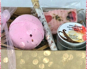 Luxury English Rose Handmade Gift Set, Pamper Gift Set, Spa Gift Set, Handmade Soap, Bath Bomb Gift Set, Candle Gift, Gift for Her