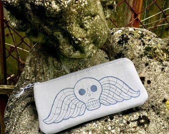 Deaths head, momento mori, deaths head pouch, cemetery pouch, Salem Cemetery