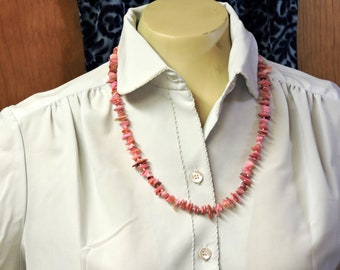 Pink Glass Chip Beads Necklace with Silver Metal Spring Ring Clasp