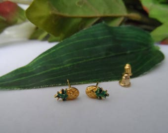 Pineapple stud earrings, girls stud earrings,girls birthday gifts, fashion earrings, stud earrings, pineapple earrings