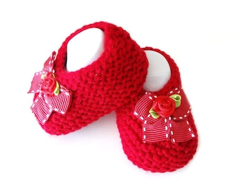 red wool baby booties / 1 to 3 months baby / baby shoes