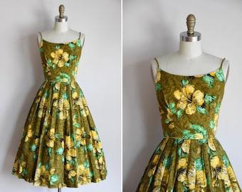 50s Sunshine on the Reef dress/ vintage 1950s floral cotton sundress/ vintage Hawaiian full skirt dress