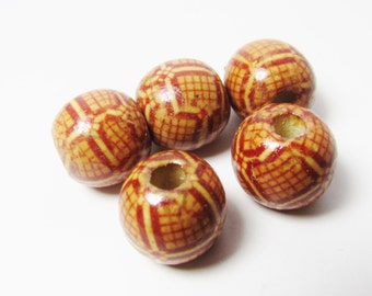 D-01915 - 5 printed Woodbeads