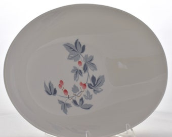 Mid-Century Kokura Ware Reverence Oval Serving Bowl with Pink Berries   Vintage White Ceramic   10 inch   Made in Japan   Entertaining China