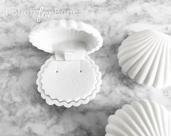 WHITE | Flocked Velvet Seashell Ring Box Beach Themed Earring Holder Mermaid Necklace Case Jewelry Packaging Supplies ∙ 1pc