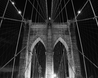 New York City's Brooklyn Bridge at Night - Black & White Photo Wall Art Picture Poster