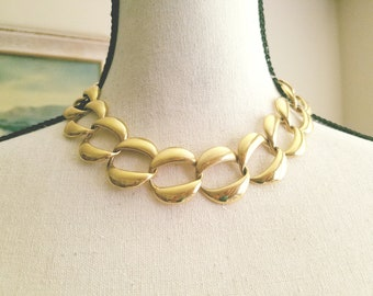 Chanel Style Gold Link Necklace by Napier Vintage Jewelry Designer Fashion Signed Tagged Circle Link