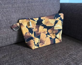 Zippy pouch Ginkgo gold leaves - key ring and shell pull