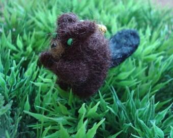 Upcycled – Needle felted miniature beaver plush keychain