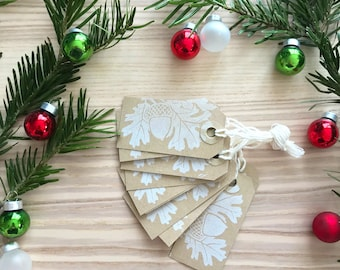 10 Christmas Gift Tags with an oak bough  - Kraft Tags, White Tags, Christmas Gift Wrap, christmas favor tags, family gift tags, tags