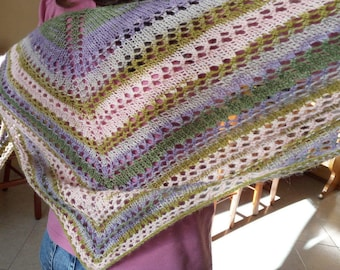 For an exclusive and unique gift. Shawl/triangular scarf, triangular shawl, rainbow color, shrug