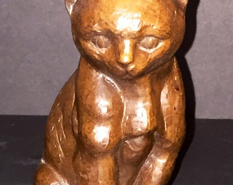 Vintage Red Mill Crushed Peacan Shell Cat Figurine 1985 Statue - USA