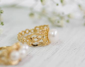 Solitaire Ring, Gold Pearl Ring ,Lace Gold Pearl Ring, Wedding Jewelry, Alternative Engagement Ring, Pearl Engagement Ring, Unique Pearl