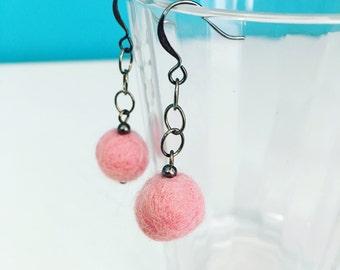 Paulina Felt Earrings - Pink