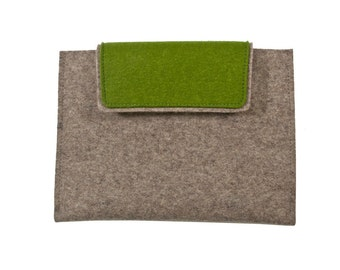"Wool Felt iPad/Tablet Sleeve - Natural Gray with Green Flap, 12"" x 8"""