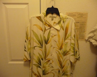 Tommy Bahama Aloha Camp Style SS XL Men's Shirt Like new Silk with Floral design Dad Wear Alert!!!