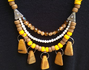 Bead necklace, a combination of wooden beads combined with varied beads.