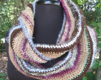 Cowl Crocheted with Hand Spun Yarn/Vineyard Cowl/Circle Scarf