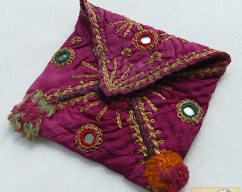 Afghanistan: Vintage Embroidered Pashtun Wallet or Pouch, Item E62