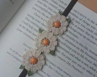 Crochet Bookmark/Flower Bookmark/Bookmark/Gift For Teacher/Gift/Birthday Gift/Teacher Gift/Unique/Book Lover/Best Friend/Mother's Day