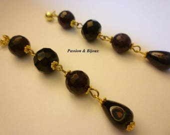 Long earrings with stones