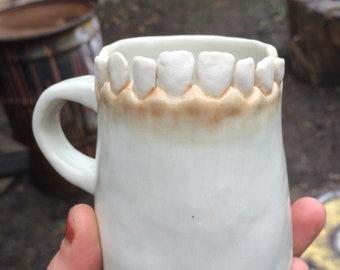 Tooth mug
