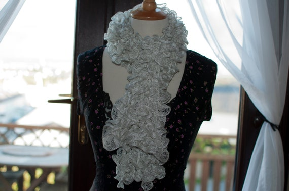 Handknitted Ruffles Scarf in White