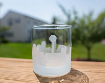 Etched Knoxville, Tennessee City Skyline Silhouette Outline Whiskey Rocks Glasses