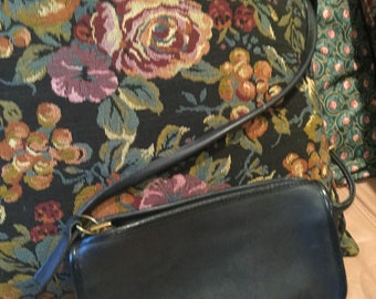 Vintage Coach NYC Black Leather crossbody Handbag Bag Bonnie Cashin 5538