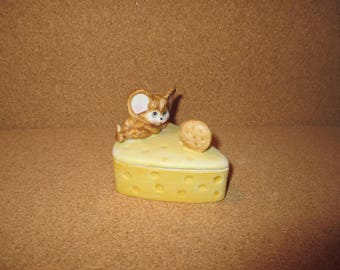 1970 HALLMARK Fine Bisque Porcelain Mouse Cheese & Crackers TRINKET BOX Figurine - Candy Dish w Lid - Exc Cond Rare Estate Find Jewelry Box