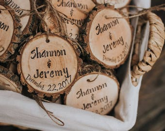 Engraved Wedding Favors! Personalized wedding favors, wood burned wedding favors, Rustic wedding favors! Wood slices, rustic, wedding favors