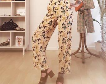 Pants 2 pleats and pockets fancy flowers