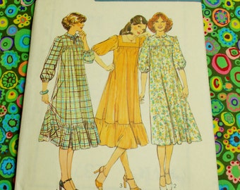 """Style  Sewing Pattern - 1978 -  Woman's pull-over-the-head dress -  Size 8 bust 31 1/2""""  - Mpn 2371 - Unused & factory folded"""