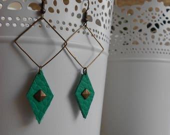 Earrings • CASHEW • bronze / green