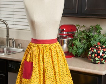 Hostess Half Apron, Vintage Strawberry Print Fabric, Pocket