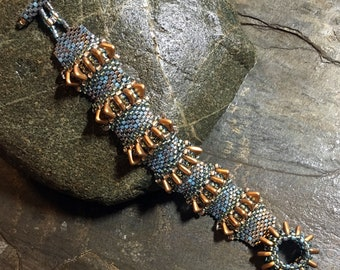 "XXS Spiky Sea Urchin Seed Beaded Peyote Stitch Bracelet - 5"" - Hannah Rosner"