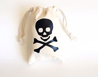 Pirate party favors - Party favor bags - Pirate theme party - Skull and crossbones favor bag