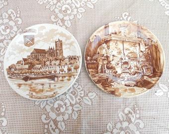 Set of 2 Vintage Porcelaine plates made by Castelroux REC