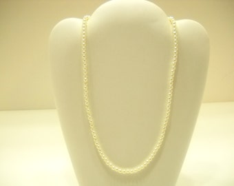 Vintage Tiny Faux Pearl Single Strand Necklace (3288)