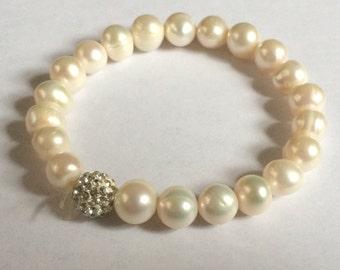 Vintage White Faux Pearl Stretch Bracelet