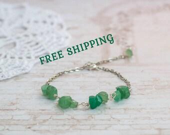 Dainty chain bracelet, Tiny bead bracelet, Beaded bracelet, Tiny green bracelet, Dainty braclet, Chain bracelet