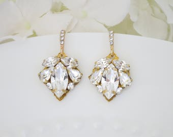 Simple gold bridal earrings, Bridesmaid earrings, Vintage style, Swarovski rhinestone wedding earrings, Petite crystal dangle earrings